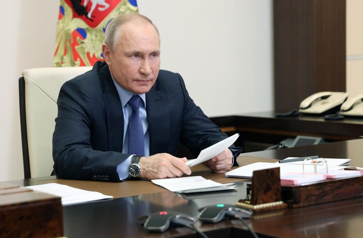 Putin to would-be aggressors: 'Will knock their teeth out'