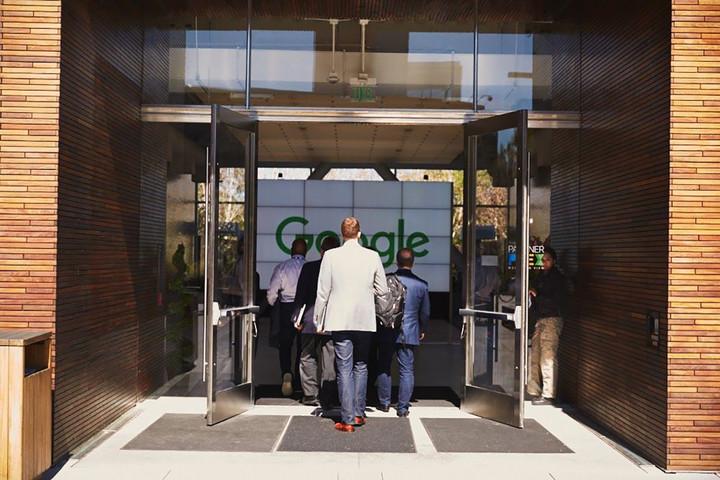 Critics warn of Apple, Google 'chokepoint' repression