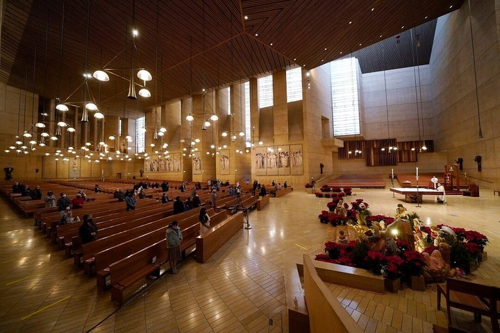 L.A. County health officials: Don't attend indoor church services no matter what judge says