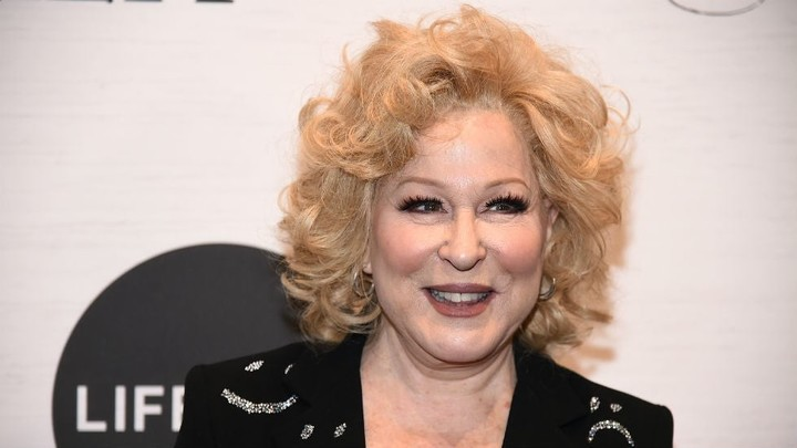 Bette Midler calls on women to refuse sex to protest Texas abortion law