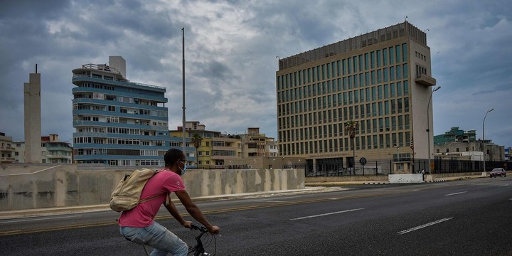 WSJ News Exclusive | Havana Syndrome Attacks Widen With CIA Officer's Evacuation From Serbia